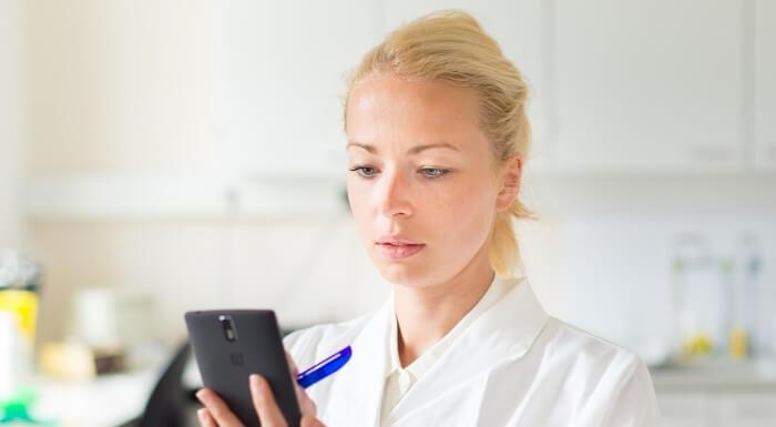 Neem contact op bij vragen over beschermingshulpmiddelen van Hygiëne24.nl